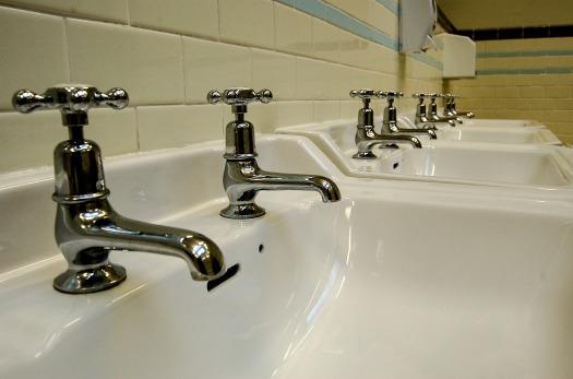 water-tap-1269763_1920.jpg